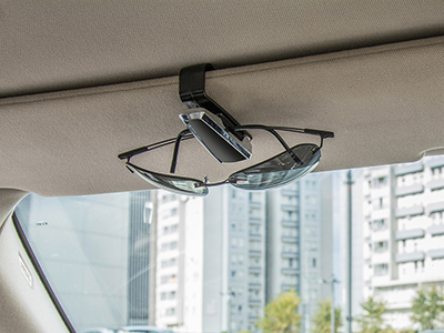 Intercrown car glass clip design image